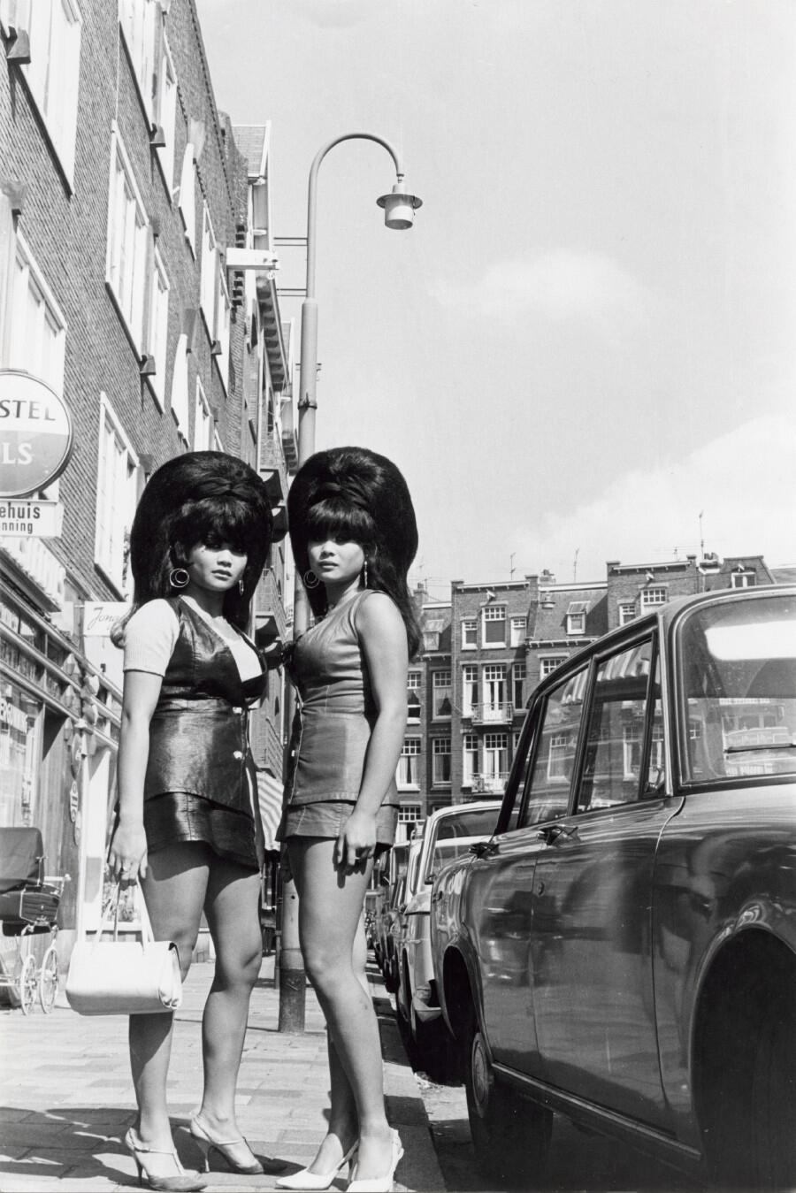 RT @chrisdeerin: Proper twins, proper hair RT @HistoryInPics: Amsterdam, 1960s http://t.co/xeYsjjKxWc