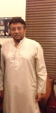 Gharidah Farooqi (@GFarooqi): First pic of Musharraf after release today. http://t.co/BJysXoNoc8