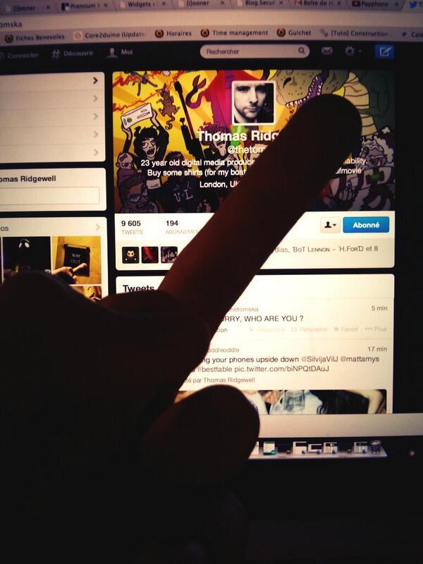 """""""@iooner: Hum @thetomska ! http://t.co/FeTtbpAwoA"""" that is one LONG finger."""