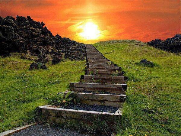 Stairway to Heaven, Iceland! http://t.co/EJwWQuuuHC via @SuzanneLepage1 @ShiCooks @jflorez @loretobgude #iceland