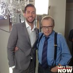 He's an actor, singer & self-proclaimed #nerd - what's not to love about @ZacharyLevi? http://t.co/hptg8Z3EId #LKN