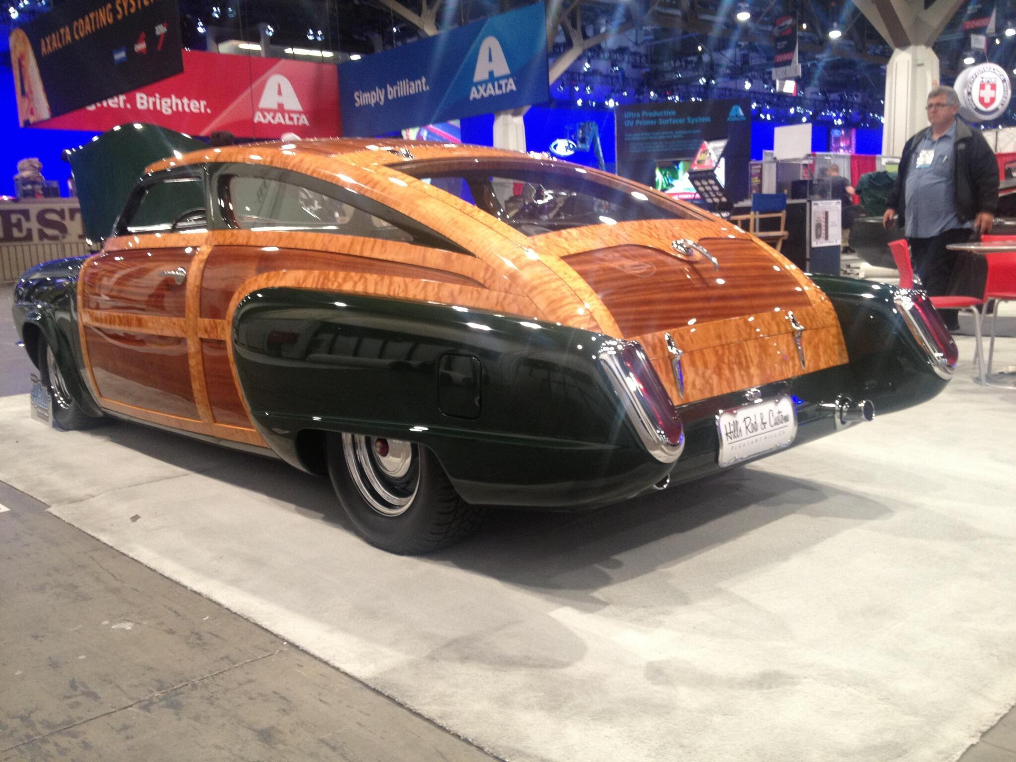 Another wonderful afternoon at the 2013 SEMA Show. Tomorrow promises to be another great day. #SEMA2013 http://t.co/GZ0RS5a7e1