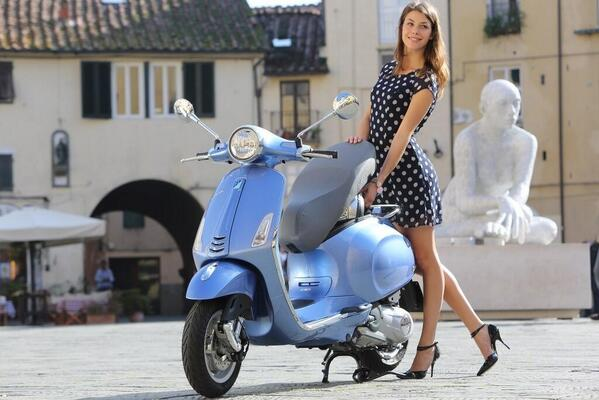 New #Vespa Primavera makes its UK debut @motorcyclelive, Birmingham NEC, alongside the #946, PX and GTS range. http://t.co/n7XlNY2NSi