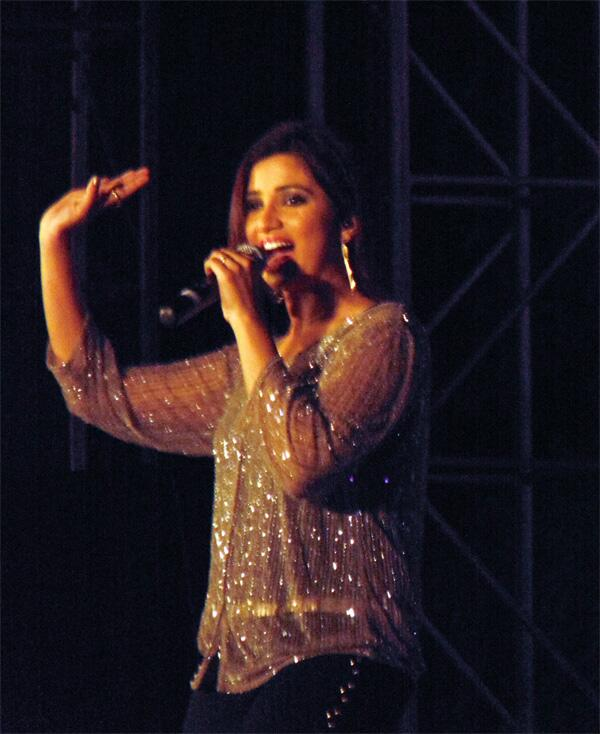 @shreyaghoshal Not only you, we all were dancing, *Jumping Japang* :D with your tune #Kolkata Tonight http://t.co/rj9j3WCLNf