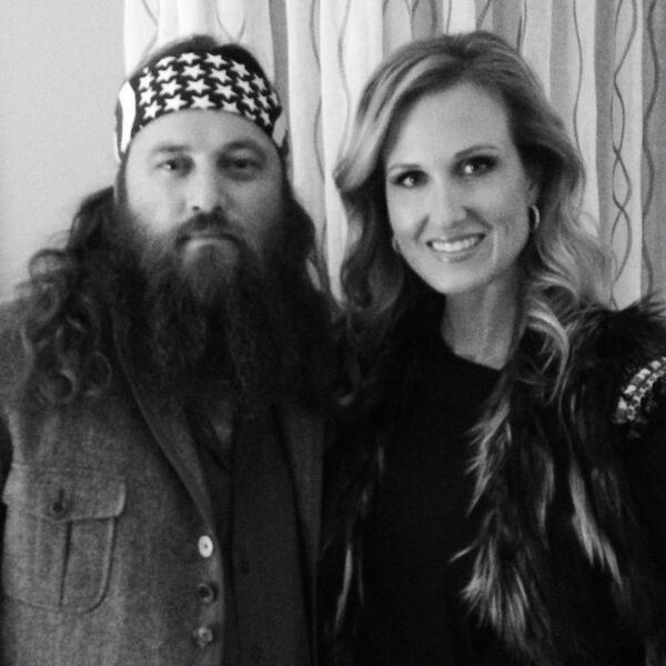Heading to tape #CMACountryChristmas Willie's singing! #imexcited #hesnervous @williebosshog you'll be great! http://t.co/gXW5Je1hhR