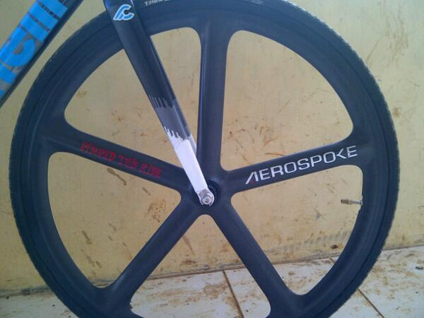 RT @fuadhazrin: WTS: Front Aerospoke Raw very good condition pin:27724970 / 085735298858 @fixedandfurious http://t.co/jnTIJKUsXT
