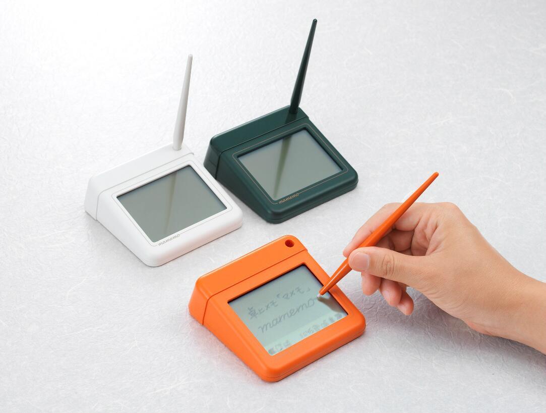 「マメモ」は、まさに付箋メモのデジタル版。机の上に置いておけば、電話のメモや、やることリストにも使えます。99枚まで保存可能。 http://t.co/3VPcwKASCj