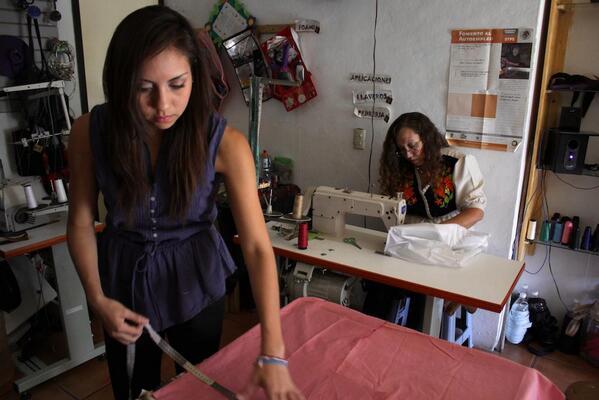 ICAPET Oaxaca (@ICAPETOaxaca): En 11 meses en #Oaxaca capacitamos a 29 mil 912 mujeres, importante participación de la mujer @GobOax @TeresitaAhuja http://t.co/CwtG2vHLvm
