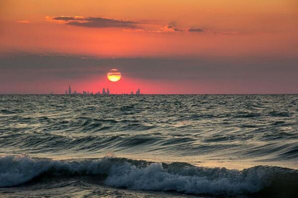 Cooool RT @PicturesEarth: Chicago Skyline from Indiana. http://t.co/cVwGfnoKFl