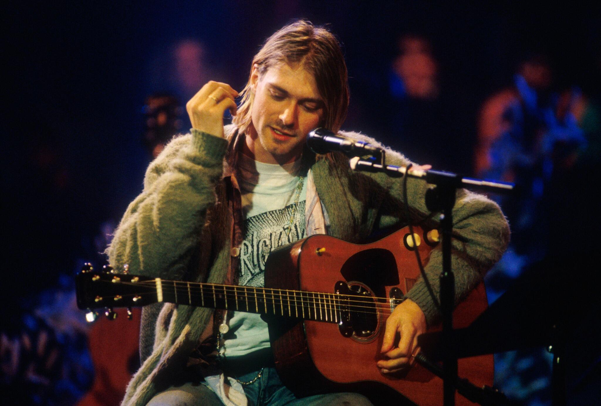 Kurt Cobain (November 18, 1993) #Nirvana #Unplugged #Grunge http://t.co/Fgk6oQT3lK