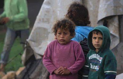 الكل يفرح بقدوم الشتاء الا هؤلاء .  اللهم آنزل دفئك و رحمتك على من لا مأوى له #سوريا http://t.co/jIJuUlFU0x