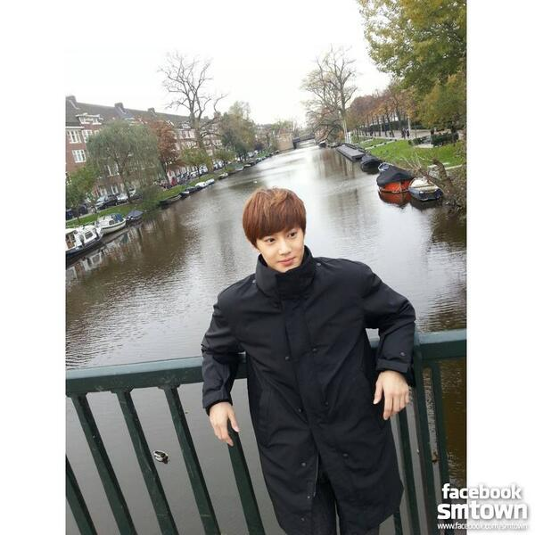 [EXO] 131117 Facebook Update - Suho in Amsterdam http://t.co/jUNvc11aBF