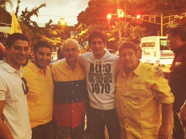 RT @ismaelemt: Con @alcaldeledezma y @hatillo1313 http://t.co/hPxsozyo7M