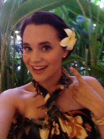 "Love wearing fresh plumeria flowers in my hair everyday! I <3 Hawaii <a class=""linkify"" href=""http://t.co/JkwonozkLL"" rel=""nofollow"" target=""_blank"">http://t.co/JkwonozkLL</a>"