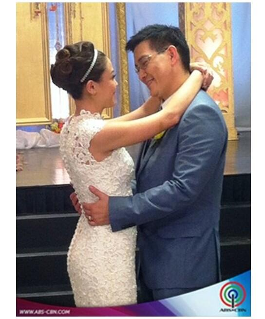 First dance as a married couple. Courtesy of abscbn. http://t.co/MI6KFcpxiS