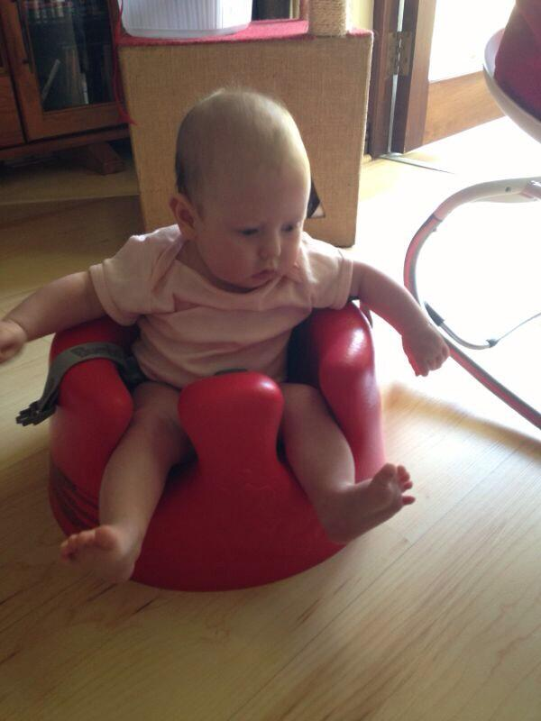 Sitting up & taking on the world! ❤ http://t.co/MmzfEtwgwf