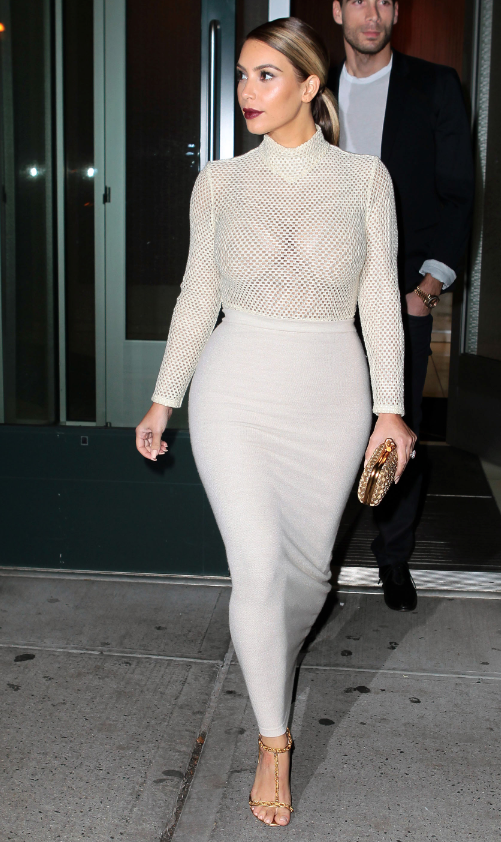 .@KimKardashian stepped out in QUITE the outfit last night. Thoughts? http://t.co/WRuUrmyqrO