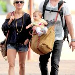 Chris Hemsworth & Elsa Pataky are expecting Baby #2! http://t.co/AFXyCrpxzR. Congrats on their growing family!