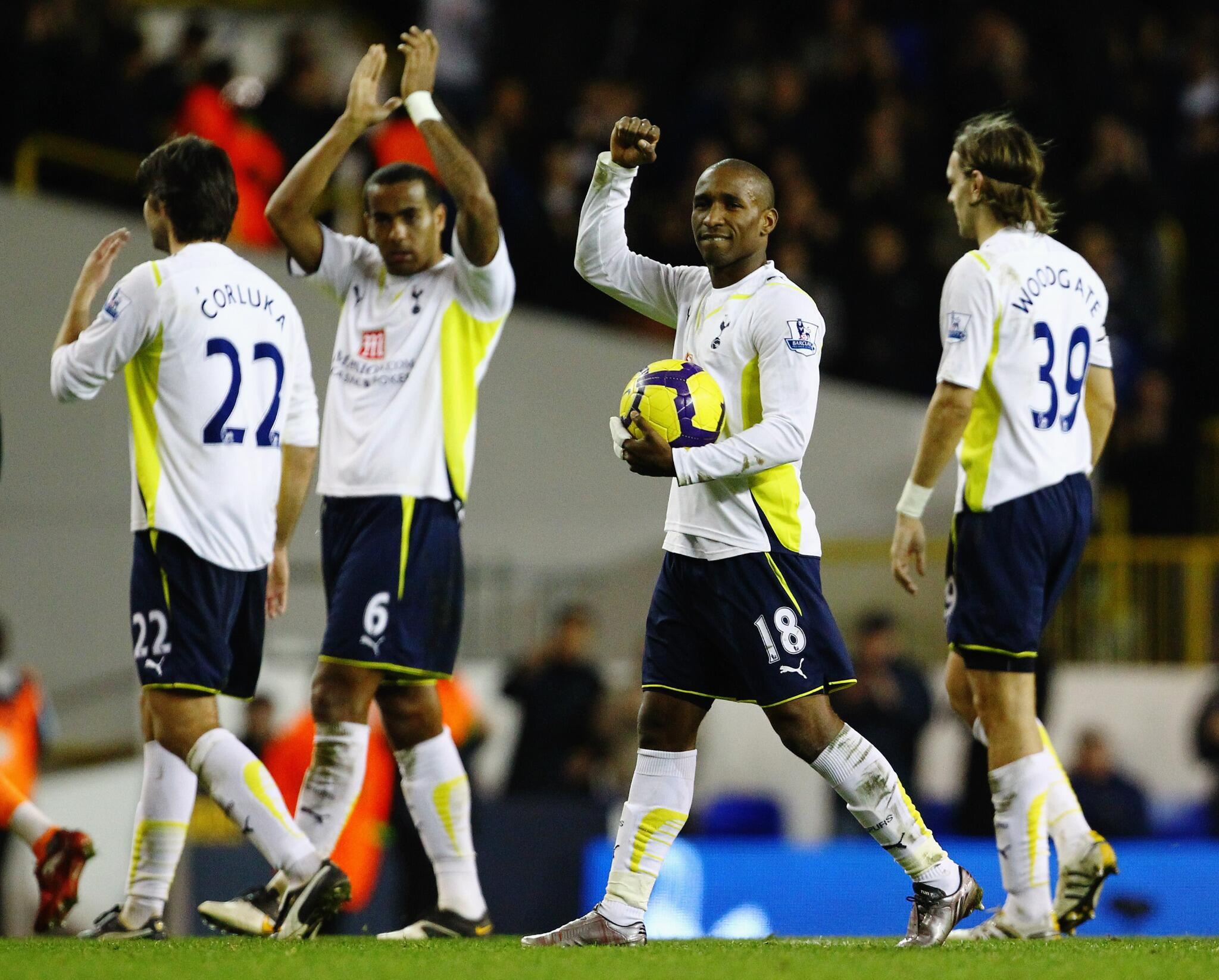 Defoe became the 4th player in #BPL history to score 5, emulating Andy Cole, Alan Shearer and Dimitar Berbatov #THFC http://t.co/zTV6KEoqkd