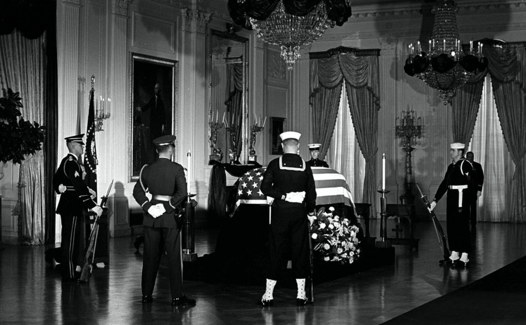 RT @BeschlossDC: East Room, White House, 50 years ago today: #NARA http://t.co/UjvoMjbSea