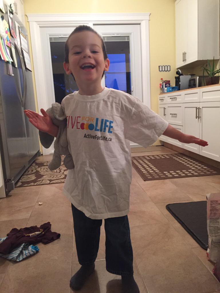 RT @MtnHolly: Dear @activeforlife - mr j dressed himself today and here's what he picked ;) #activekids http://t.co/FIj4comQ1d