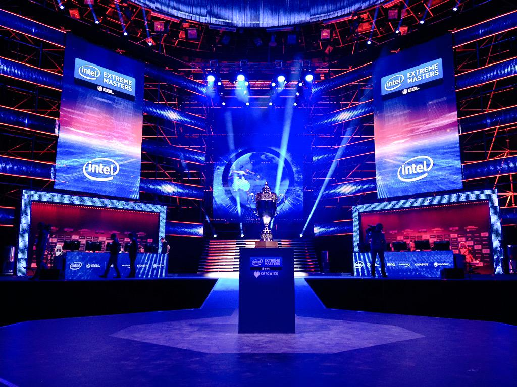 The stage is so glorious. #IEMKatowice #ESLOne http://t.co/8pLTUCJDed