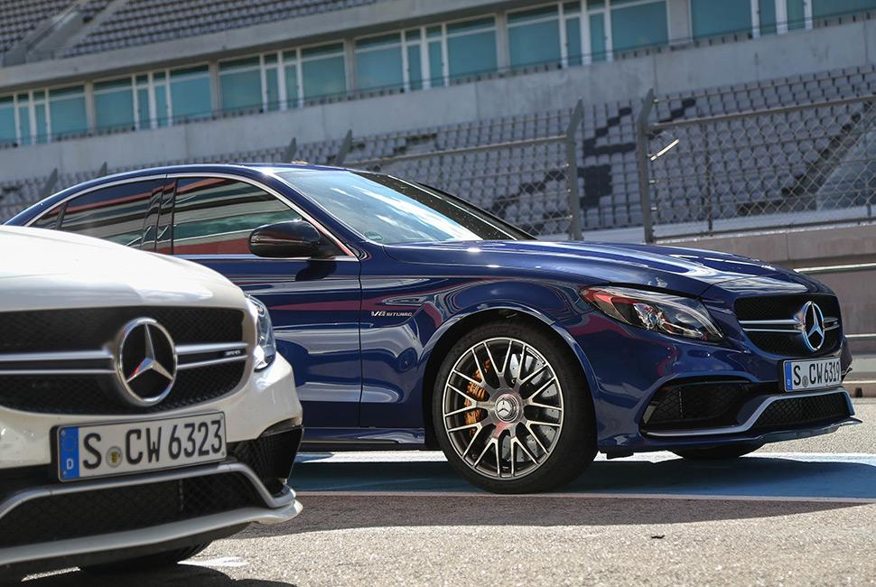 An over-performing underdog from the minds @MercedesBenz http://t.co/3rsrigmjD2 http://t.co/HtCjsoWEGX