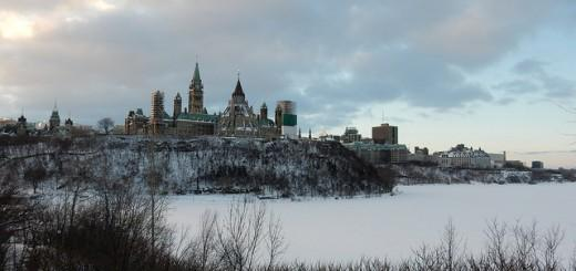 """The theme from """"Angry Birds"""" will be played today at noon on the Peace Tower Carillon http://t.co/BbGUy19uza http://t.co/U4Hy0etf9Q"""
