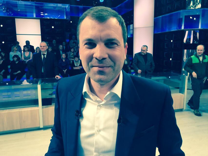 """Miuno в Твиттере: """"@i_korotchenko Хороший журналист, но часто перебивает собеседников и не дает высказать мысль до конца, хотя г"""