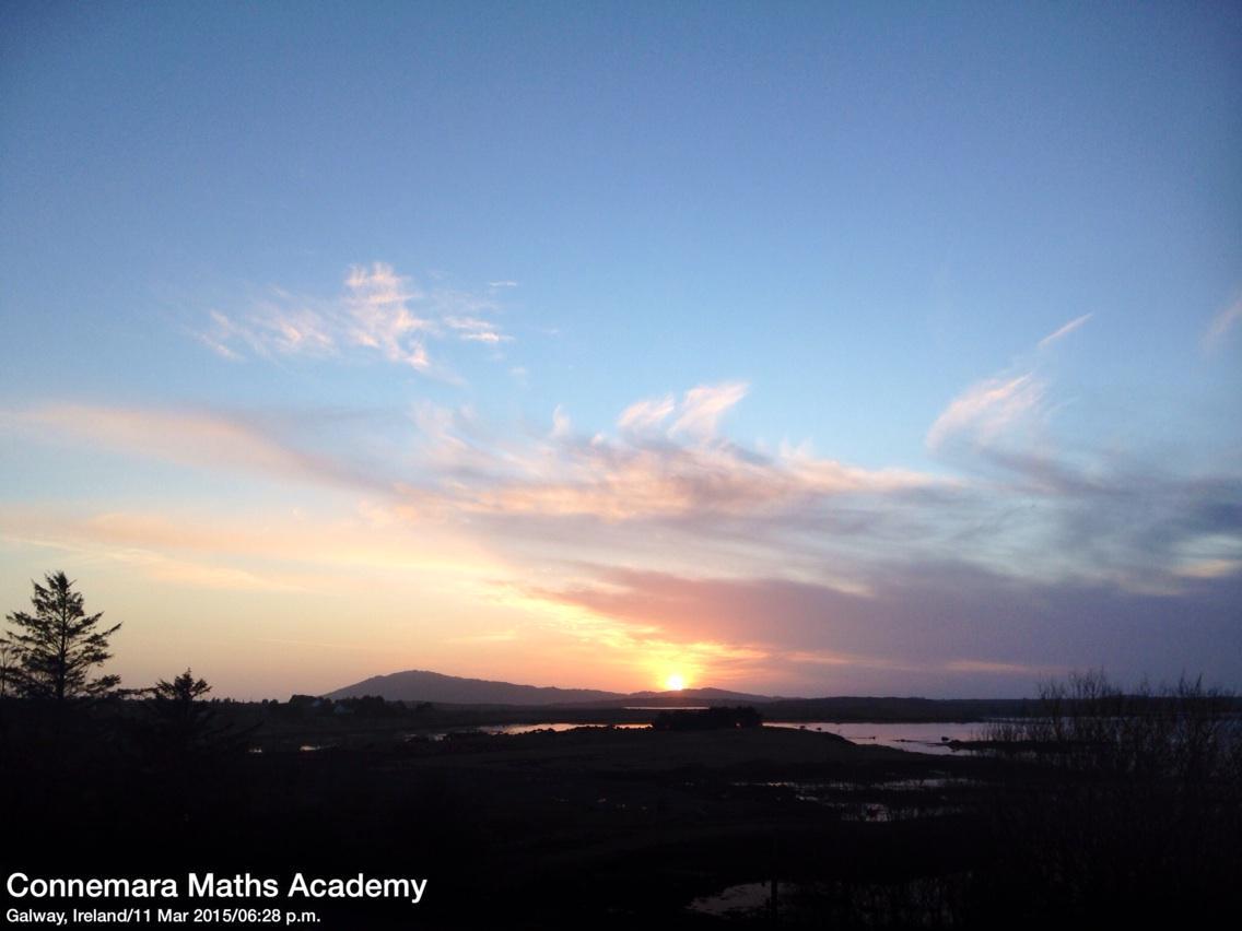 Sunset #Cashel #Connemara this evening @renvyleweather @DiscoverGalway #Ireland http://t.co/4IeSEuFnFU