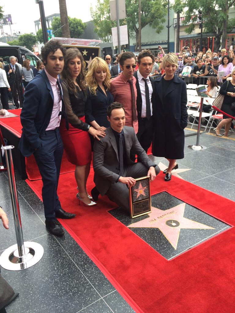 Because the celebration wouldn't be complete w this #BigBangTheory group shot. Congratulations #JimParsons! http://t.co/bUpRvRx1MS