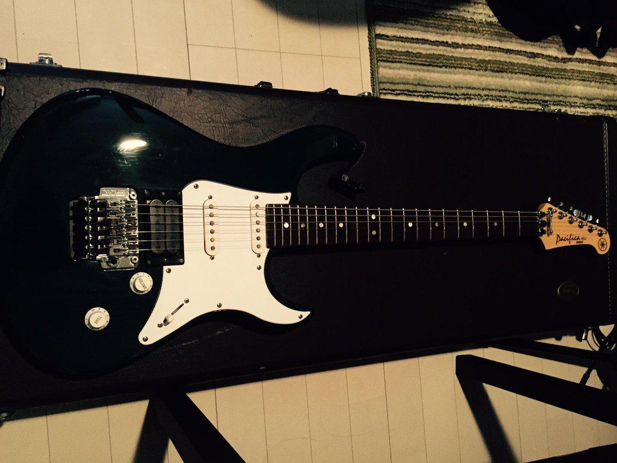 HP更新しました! 「木根さんのギター」 http://t.co/WtuJane1P7 http://t.co/8MxcQK6QcS