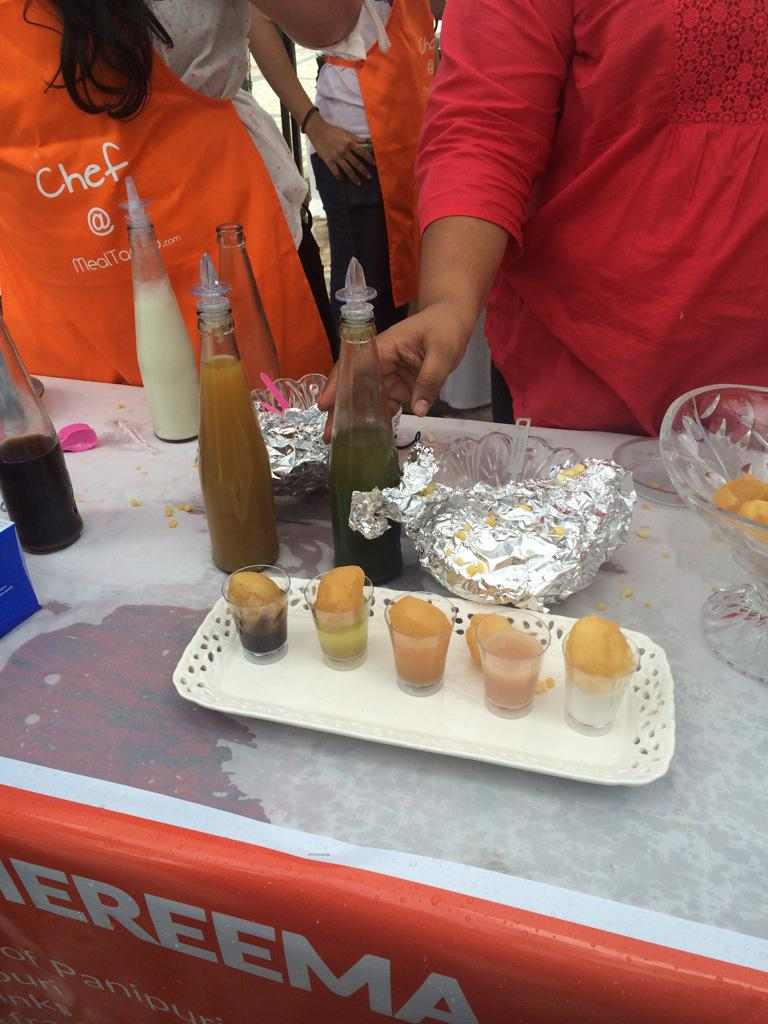 Exotic panipuri at the #greatfoodshow.. Best was Guava Panipuri http://t.co/hSKXmHQxg1