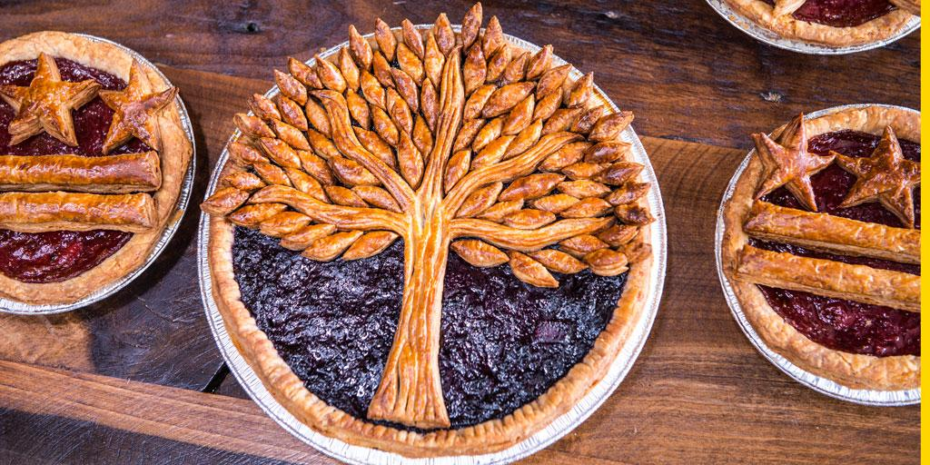 "So pretty! ""@WaPoExpress: At @littleredfoxdc, one baker is pioneering pie art http://t.co/gYtcTck6HA http://t.co/ydGVgtM9lr"""