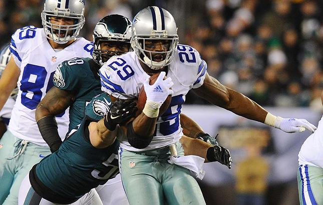 The Eagles have reportedly agreed to terms with free-agent RB DeMarco Murray http://t.co/6TvViPfb7v http://t.co/jkKkc7pO61