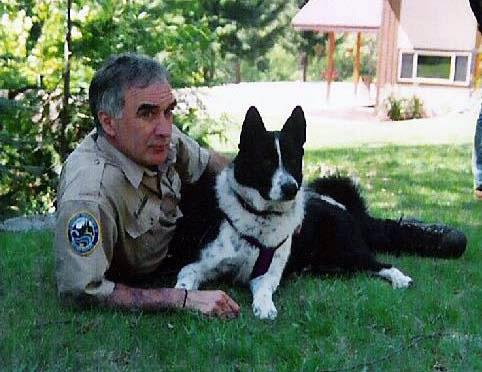 Mishka, the state's first Karelian bear dog, is retiring after 12 years of service - http://t.co/KfXR0nui0W  #WDFW http://t.co/ARLfaO8I5E
