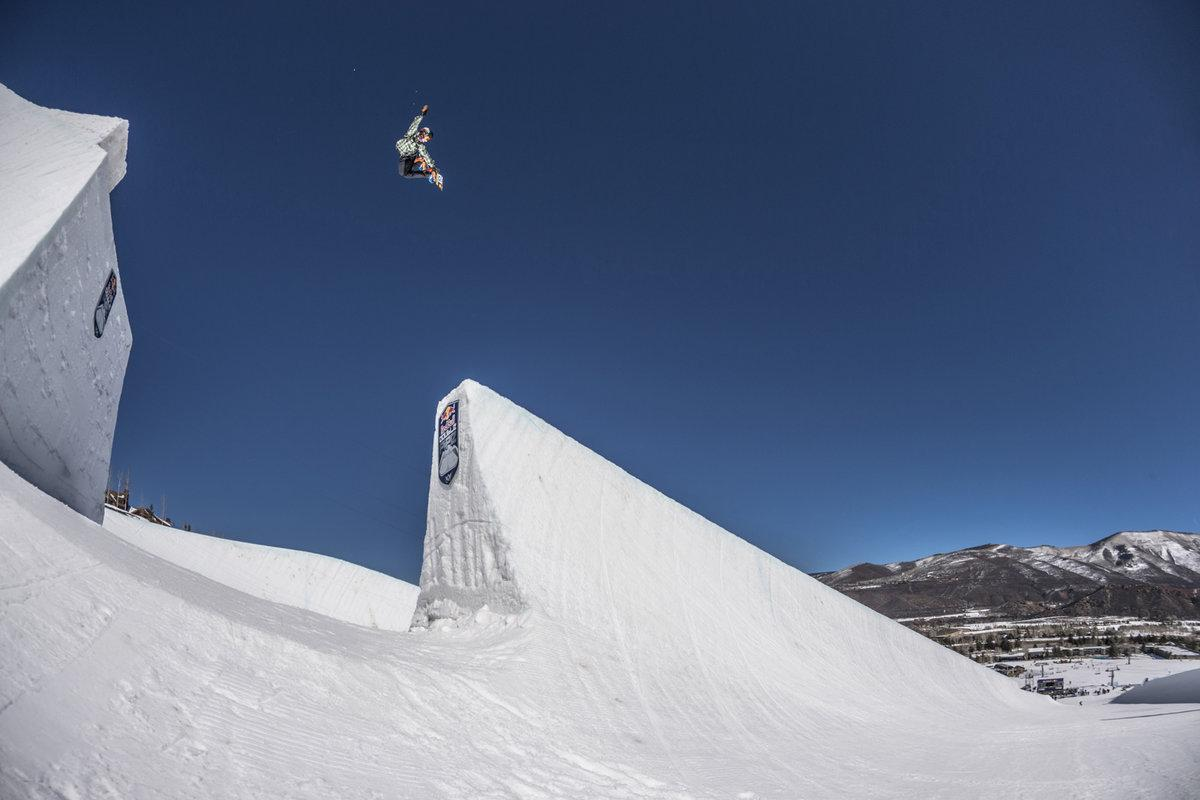 "BREAKING NEWS out of #Aspen: ""Chase Josey Crowned King of @redbull #DoublePipe"" READ: http://t.co/XkO6JmX1i5 http://t.co/09sv4DXq77"