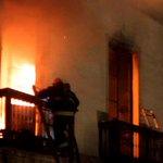 Video muestra el trabajo de bomberos y primeros minutos del incendio de la ex Aduana #Iquique http://t.co/2rIVG5ju25 http://t.co/9m29SKtfNe