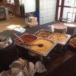 Op dit moment zit de PSV-selectie aan een pastamaaltijd op Sportcomplex De Herdgang! Nog ruim 2,5 uur tot de aftrap! http://t.co/jQMZnA2BdZ