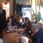 Zeer hoge opkomst nu bij politiek cafe @slimmeprik met oa Alexander Rinnooy Kan. Hij zit er nog tot 15u. Wees welkom http://t.co/7ONb8PMEt9