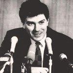 Вы поддерживаете идею @Khinshtein назвать в честь Немцова улицу в Нижнем Новгороде? Нет - избранное Да - ретвит http://t.co/zYu4iAS67S