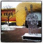 Памятник у ТЦ Оранжевый http://t.co/eW4cJUhdjP