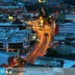 Cahaya berkejaran di kawasan Peterongan #Semarang saat senja http://t.co/3RwrBVipOg