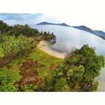 #fotowarga | @elfizal: 7. [#WisataAceh] Pantai Jantang Dilihat dari atas. Lokasi Lhoong, Aceh Besar (by shanggabuana) http://t.co/sOTi4klgFr