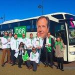 Campagne voeren met een heerlijk zonnetje! Met campagnebus in Noordwijk aan Zee. #D66bustour @D66Noordwijk #PS2015 http://t.co/Kpz0NrTAdb