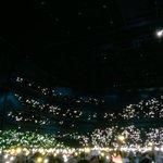 今日のLittle Thingsでは会場のライトがレインボーに彩られていて本当に綺麗でした✨皆さん、毎公演、素敵なサプライズをありがとう???? #1D埼アリ0301 #OnTheRoadAgainJapan #1DJapan http://t.co/ISF80oayEu