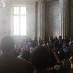 المحامون على سلم النائب العام للمطالبة بالقصاص للشهيد #كريم_حمدي وإلغاء قرار حظر النشر http://t.co/7FCSybQRgx