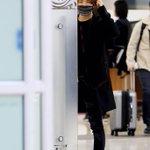 150301 #대성 김포공항 입국 모델 대성 등장!!????✨ㅋㅋ #강대성 #DAESUNG #DLITE #HappyDaes http://t.co/7mMK1tJVRz
