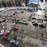 """На Театральной площади из десятков машин выстроили фразу """"70 лет"""" http://t.co/SmCygxRCDH http://t.co/QXIZ2UuKt4"""