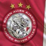 Niemand kan ons stoppen, PSV gaat eraan!! #psvAJA #AJAX http://t.co/Iz1ElmmeIj